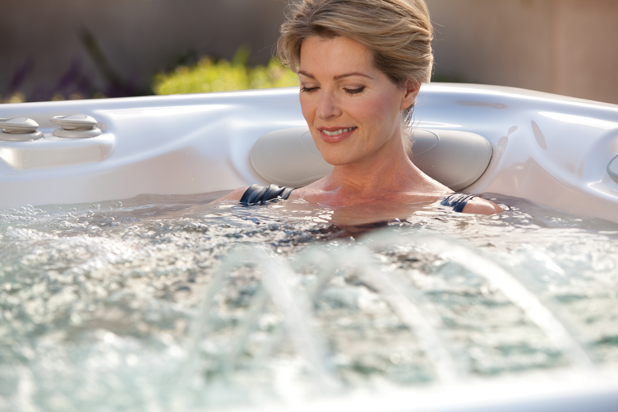 Hot Spring Highlife Aria 5 Person Hot Tub - Gallery