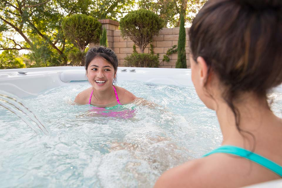 Hot Spring Highlife Envoy 5 Person Hot Tub - Gallery
