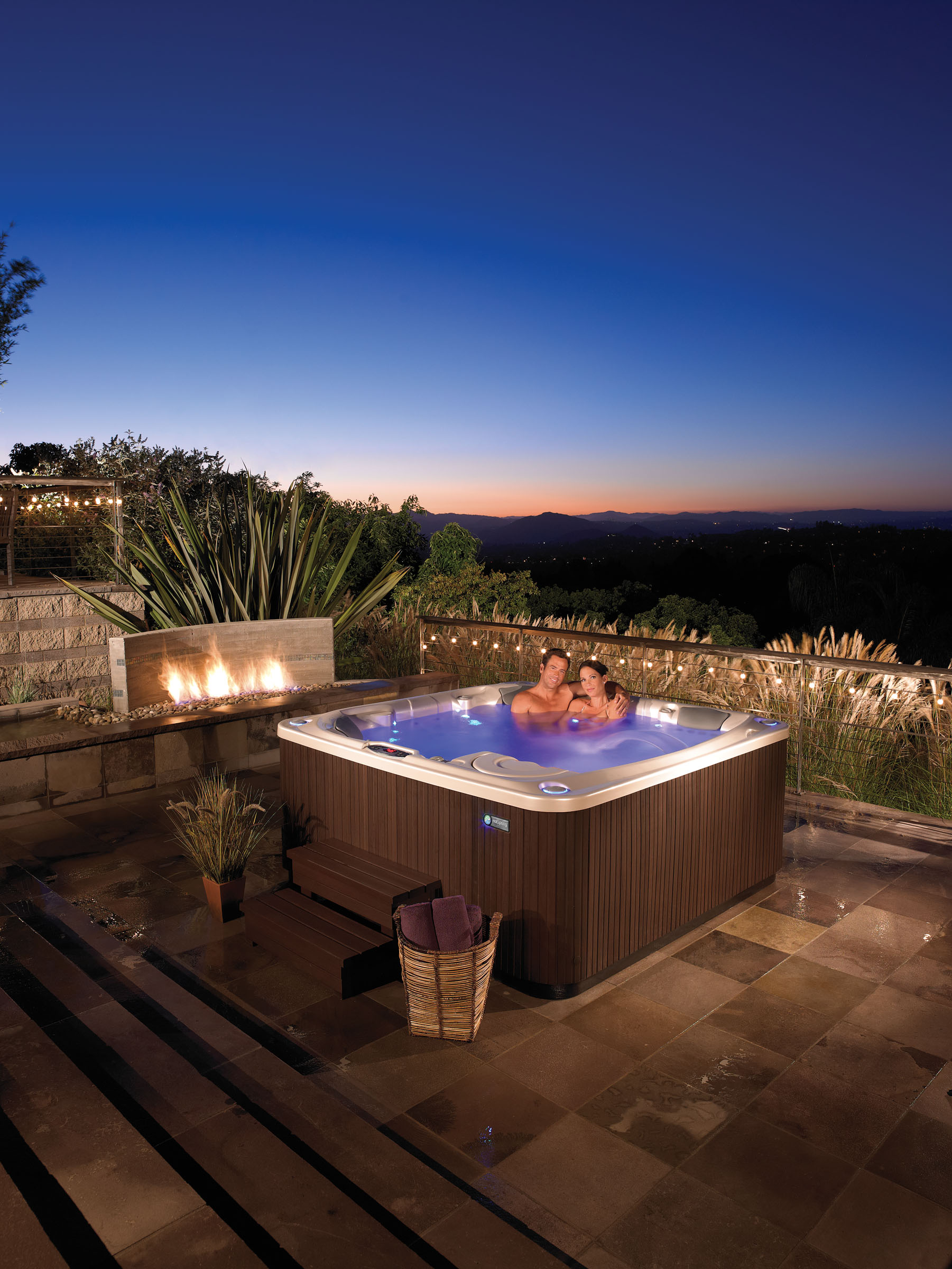 Hot Spring Limelight Flair 6 Person Hot Tub - Gallery