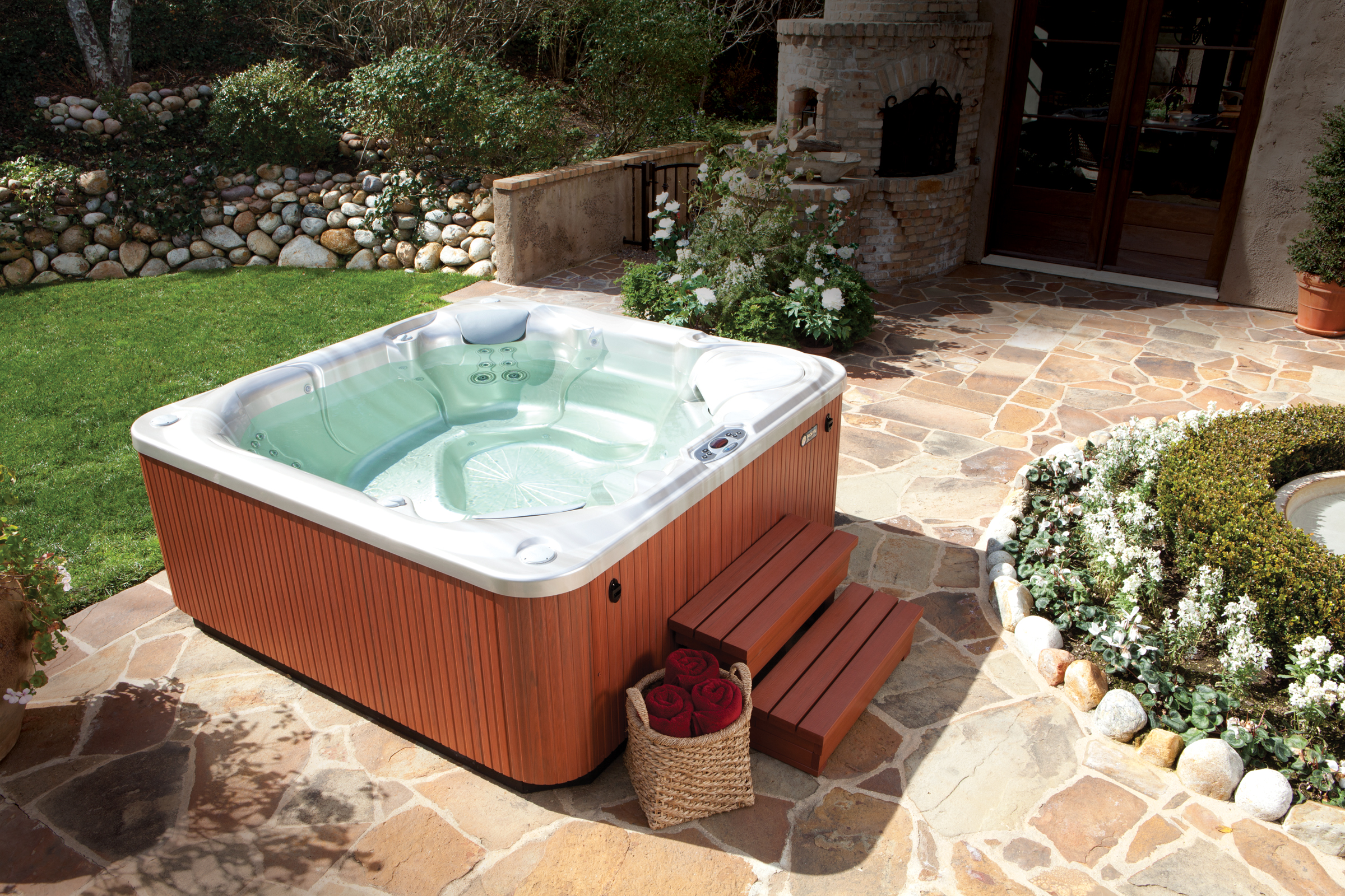 Hot Spring Limelight Bolt 4 Person Hot Tub - Gallery