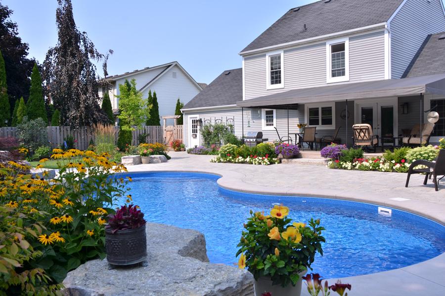 Bob karins inground pool pioneer family pools for Pool design kitchener