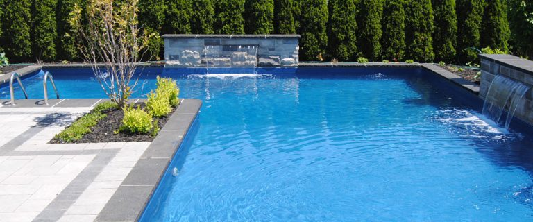 How To Choose A Swimming Pool Liner