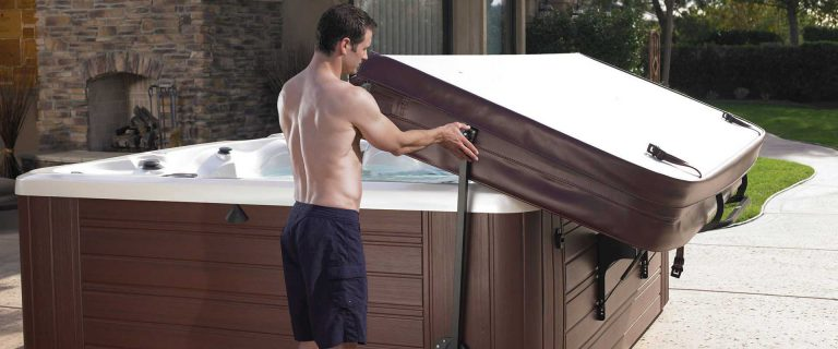 5 Warning Signs That You Need A New Hot Tub Cover