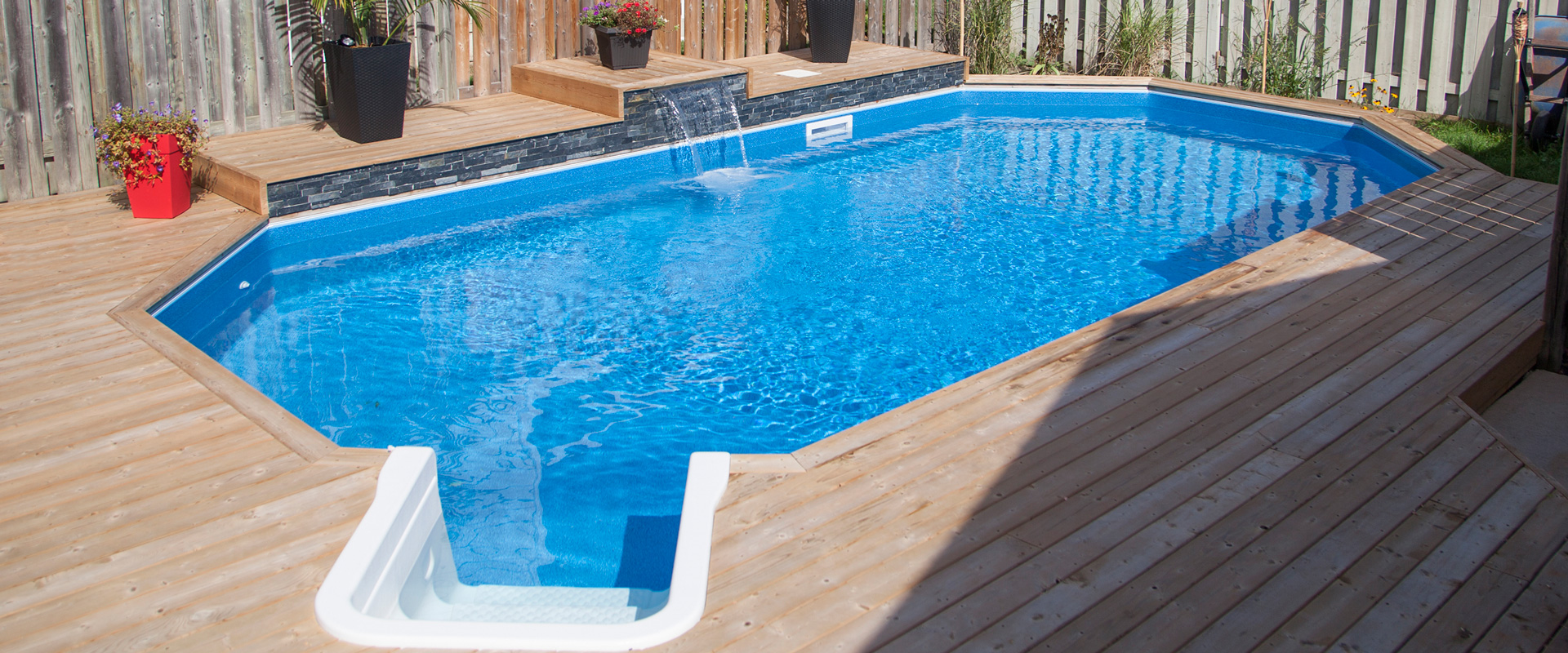 Onground pools customer galleries pioneer family pools for Pool showcase