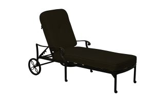 Paris chaise lounge with wheels