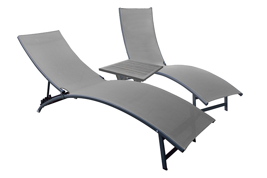 Midtown Chaise Loungers Set Of 2 Chaise With Side Table