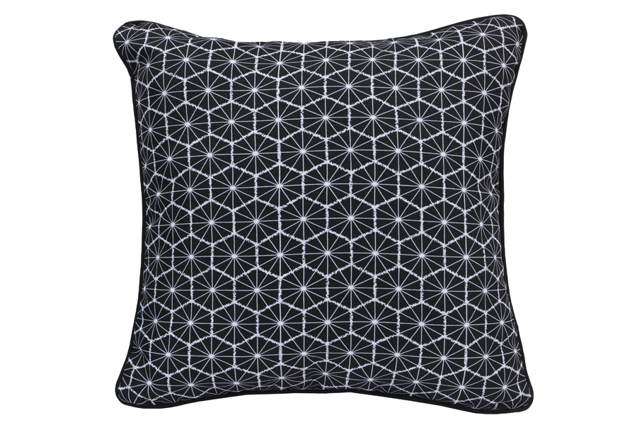 18″x18″ Geochic Black & White