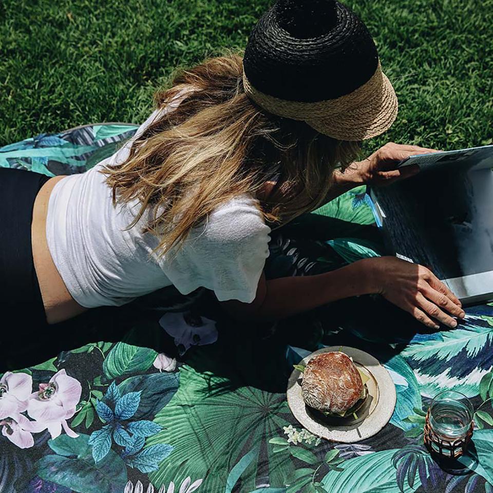Botanica 6′ Round Outdoor Mat