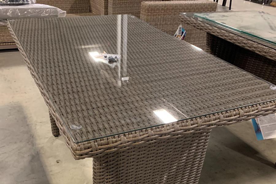 Valencia Table